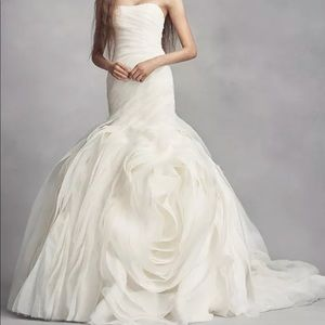 Vera Wang Wedding Dress, Size 2